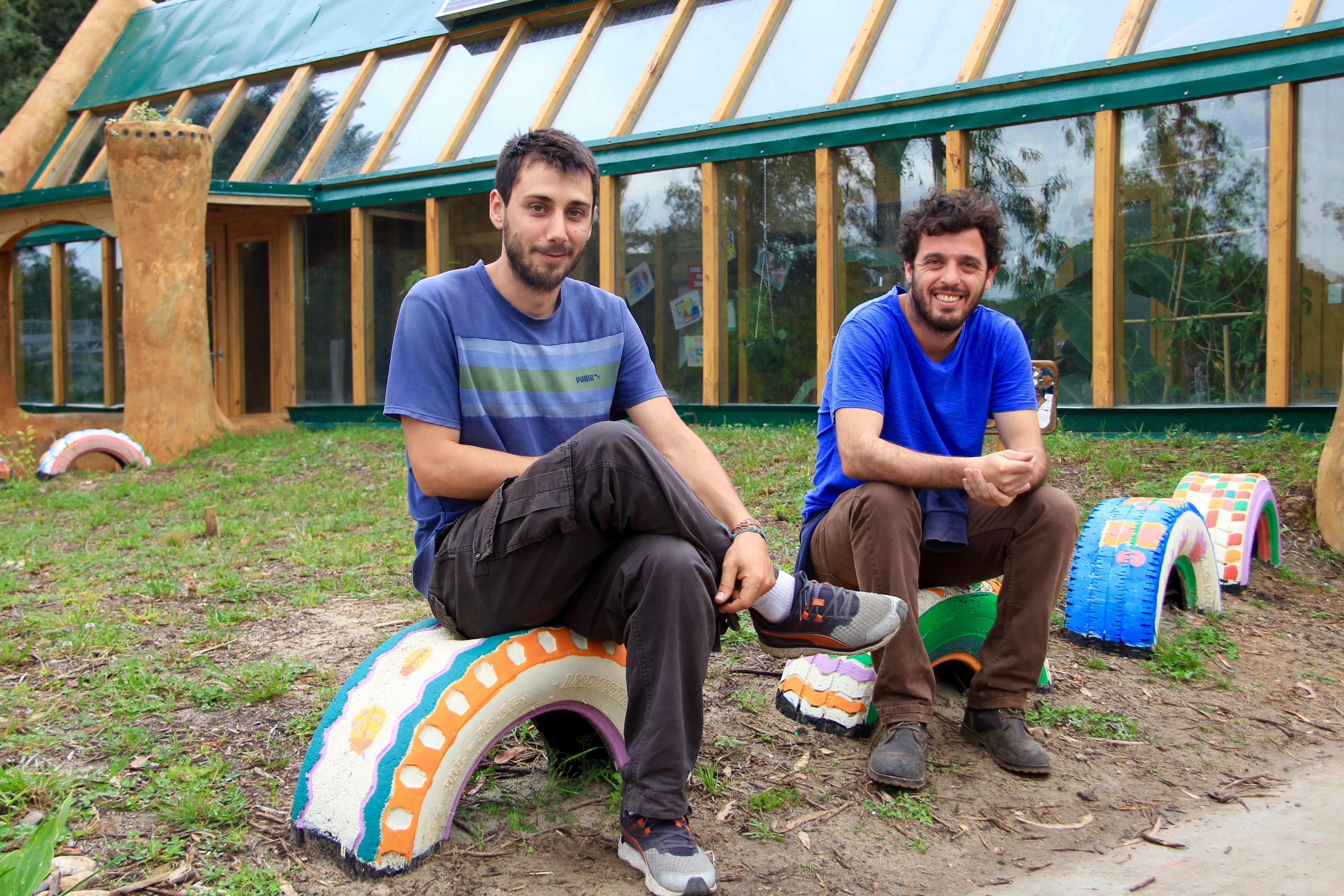 Martín, Joaquin, Camilo et Vici : ils ont construit la première école autonome en énergie d'Amérique Latine